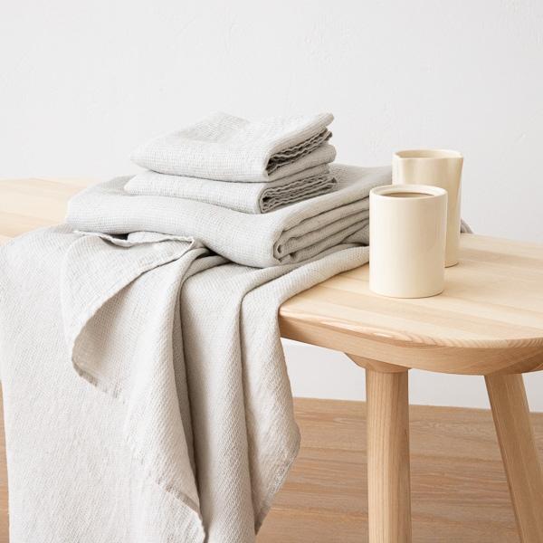 Sæt af badehåndklæder og håndklæder